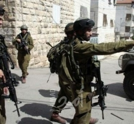 القدس: قوات الاحتلال تعتدي على المواطنين بخيمة التضامن مع عائلة عليان