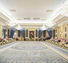 """""""أسوشيتيد برس"""": طائرات مسيرة هاجمت القصر الملكي السعودي مصدرها العراق"""