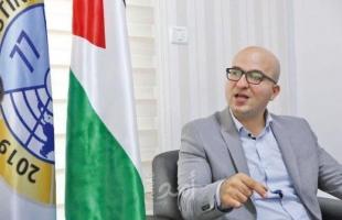 """شرطة الاحتلال تمنع وزير القدس """"الهدمي"""" من إجراء مقابلة صحفية"""