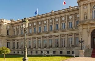 الخارجية الفرنسية: نحن على علم بقرارات الرئيس التونسي ونتابع الموقف باهتمام