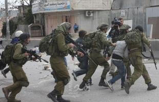 """رام الله: جيش الاحتلال يعتقل فتى على حاجز """"قلنديا"""" بحوزته سكين"""