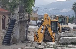 محدث .. قوات الاحتلال والمستوطنين يهدمون عدد من منازل المواطنين ومنشآتهم في عدة محافظات بالضفة