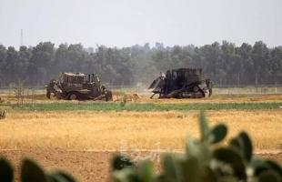 مراسلتنا: جرافات جيش الاحتلال تتوغل شرق خانيونس ووسط قطاع غزة