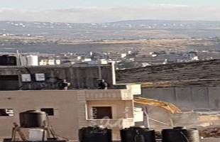 القدس: جيش الاحتلال يهدم منزلا في جبل المكبر وبركسا في العيسوية