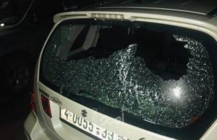 الخليل: مستوطنون يعطبون إطارات مركبة في مسافر يطا