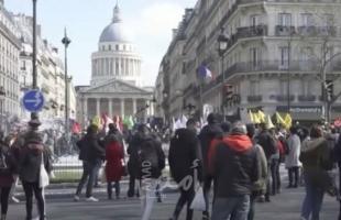 الآلاف يتظاهرون في باريس احتجاجا على عنصرية الشرطة والعنف الأمني