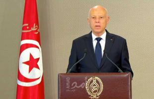 الرئيس التونسي سعيّد يعفي مدير شركة السكك الحديدية بعد حادث تصادم قطارين