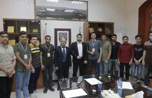رئيس بلدية غزة يؤكد أهمية دور الشباب في عملية التنمية والبناء