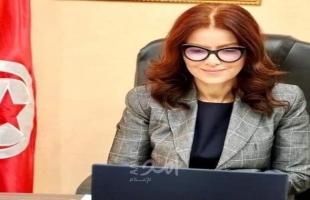 الرئيس التونسي يعفي وزيرة الشباب والرياضة بالإنابة سهام العيادي من منصبها