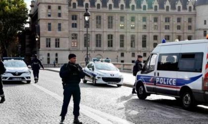 فرنسا: شرطي يقتل شخصا في باريس حاول مهاجمته بسكين