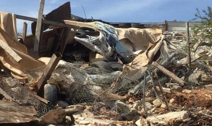 قوات الاحتلال تهدم غرفتين زراعيتين في الخليل