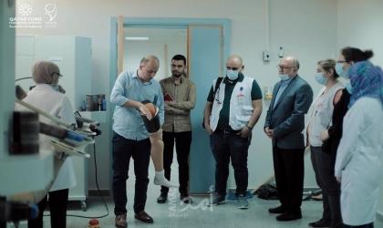 """مستشفى حمد بغزة و""""أطباء فرنسا"""" يبحثان التعاون في مجال الأطراف العلوية"""