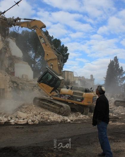 جيش الاحتلال الإسرائيلي يجبر مقدسياً على هدم منشأته في المكبر