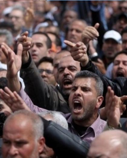 لجنة استعادة حقوق الموظفين تٌطالب الحكومة بتسديد الاشتراكات والمعاشات إلى هيئة التأمين